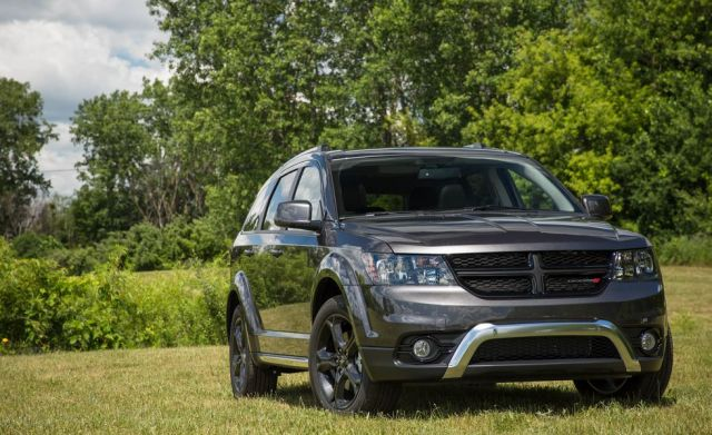 2020 Dodge Journey front look