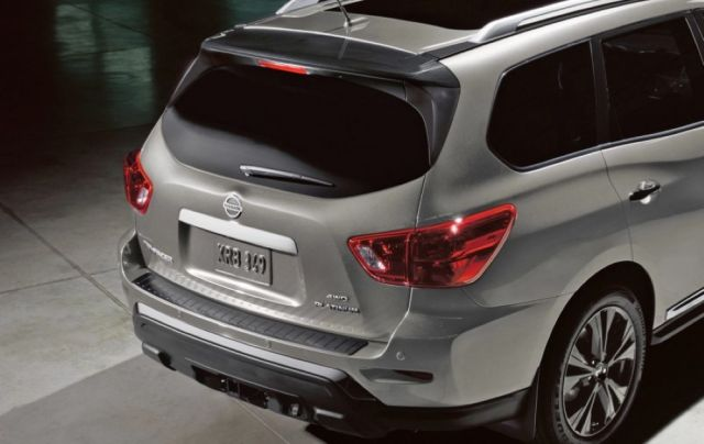 2020 Nissan Pathfinder rear