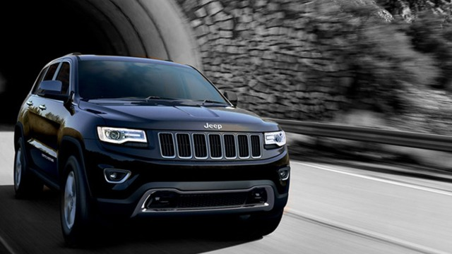 2020 Jeep Grand Cherokee SRT grille