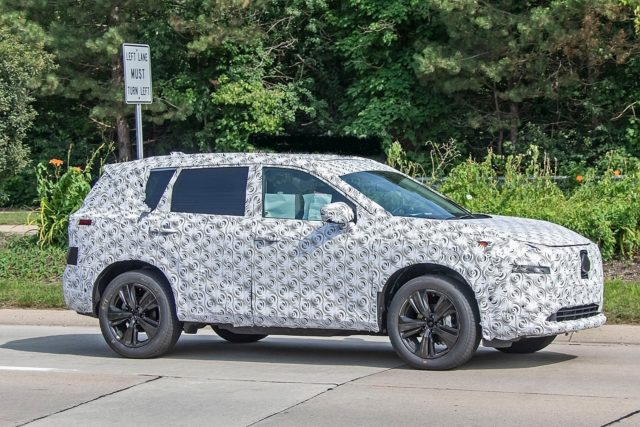 2021 Nissan X-Trail side