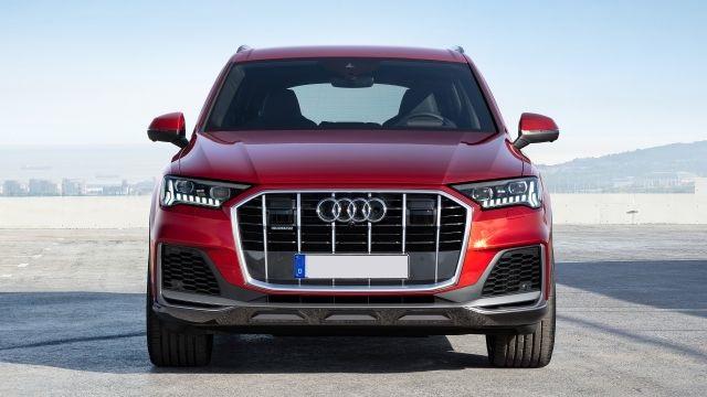 2021 Audi Q7 front