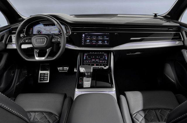 2021 Audi Q7 interior