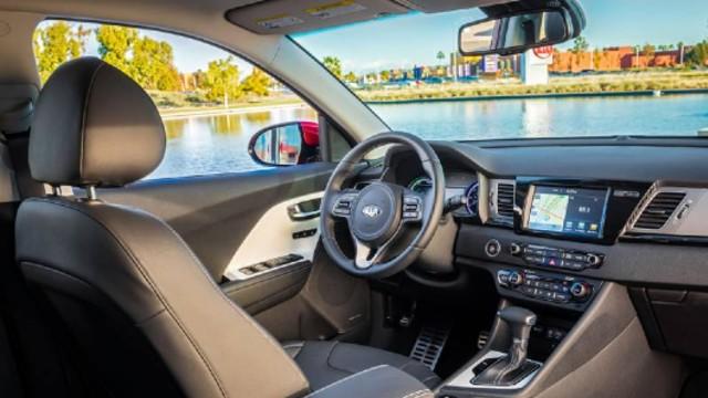 2020 Kia Niro interior