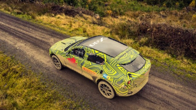 2021 Aston Martin DBX spy shots