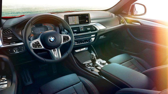 2021 BMW X4 interior