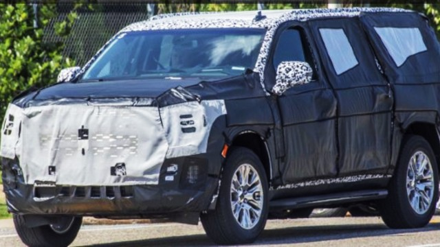 2021 GMC Yukon spy shot