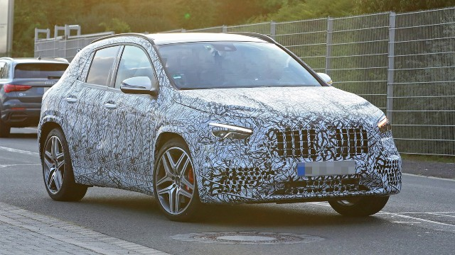 2021 Mercedes-AMG GLA 45 spy shots