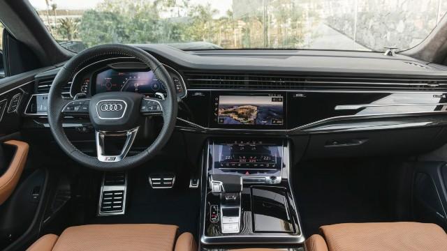 2021 Audi Q8 RS interior