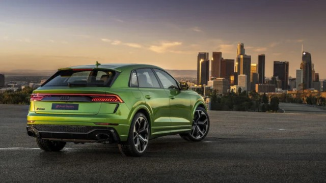 2021 Audi Q8 RS is Powerful as Urus, and It Looks Better ...