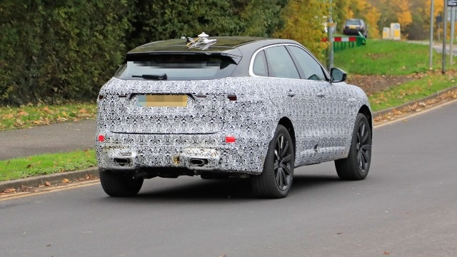 2021 Jaguar F-Pace spy shots