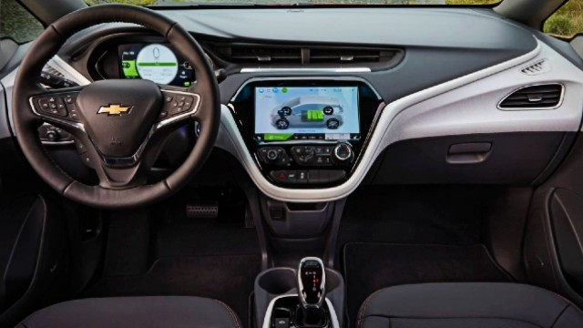 Spied 2021 Chevy Bolt Euv Chevrolet S Newest All Electric Crossover 2021 Suvs