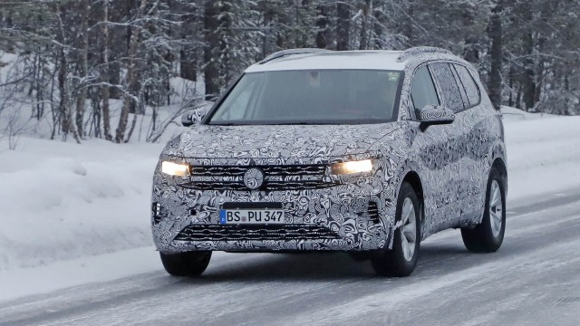 2021 VW SMV spy shots