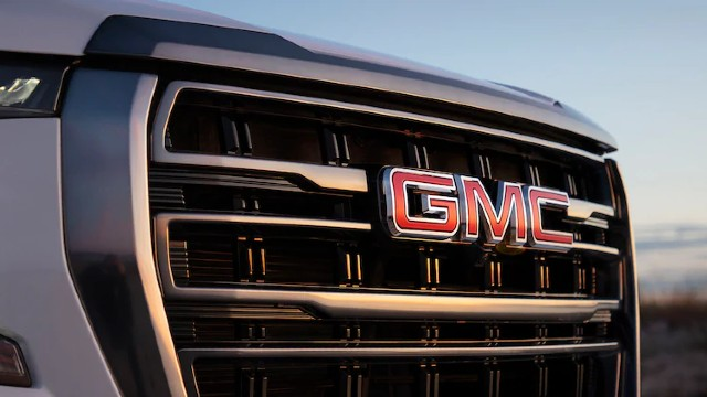 2021 GMC Yukon AT4 grille
