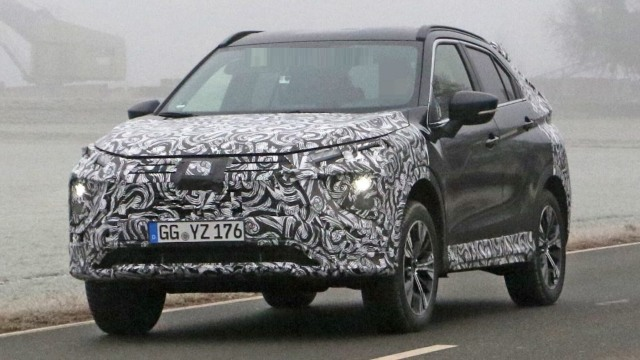 2021 Mitsubishi Eclipse Cross spy shots