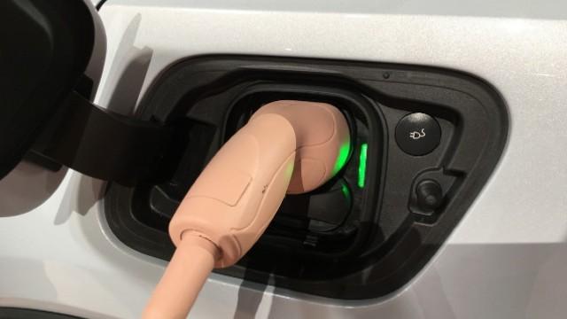 2021 Volvo XC40 Recharge charging