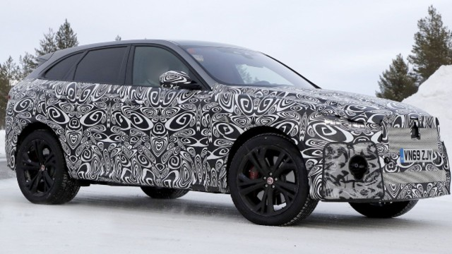 2021 Jaguar F-Pace SVR spy shots