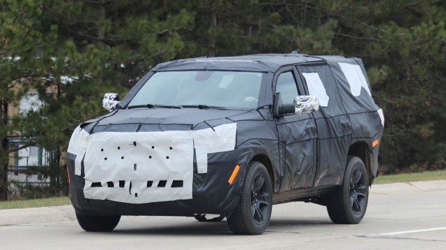 2021 Jeep Grand Wagoneer spy photos