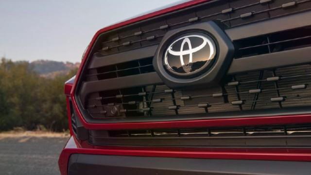 2021 Toyota RAV4 grille