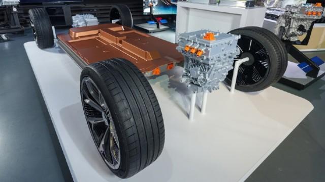 2022 GMC Hummer EV SUV platform