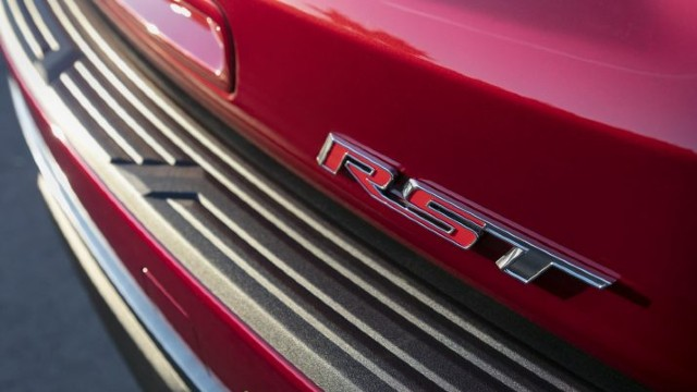 2021 Chevy Suburban RST release date