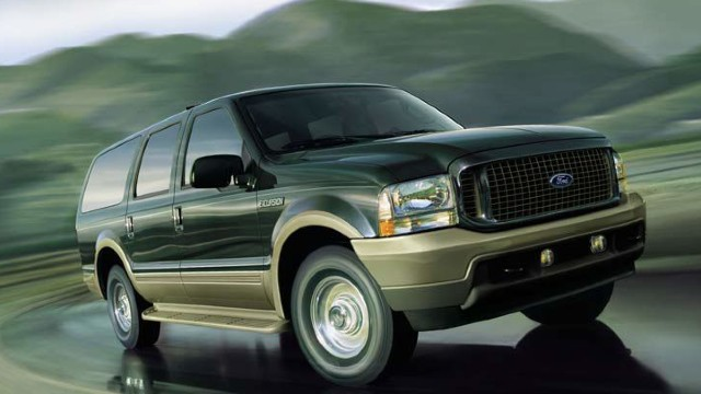 2021 Ford Excursion towing