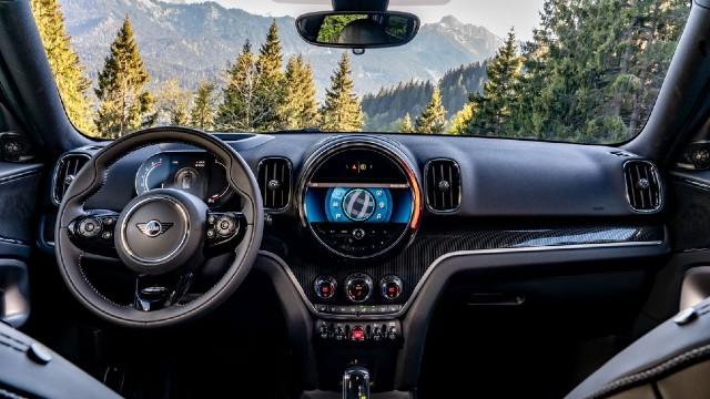 2021 Mini Countryman interior
