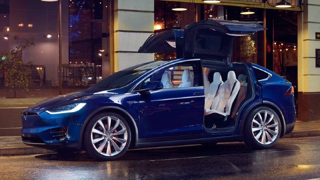 2021 Tesla Model X Falcon Wing Doors