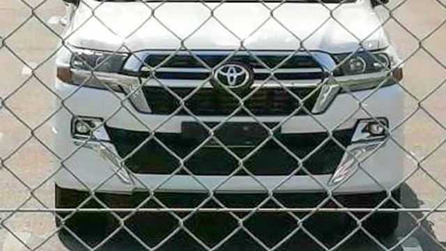 2021 Toyota Land Cruiser spied