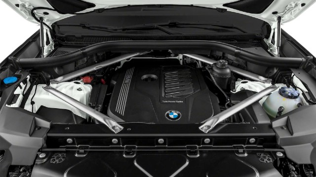 2021 BMW X6 engine
