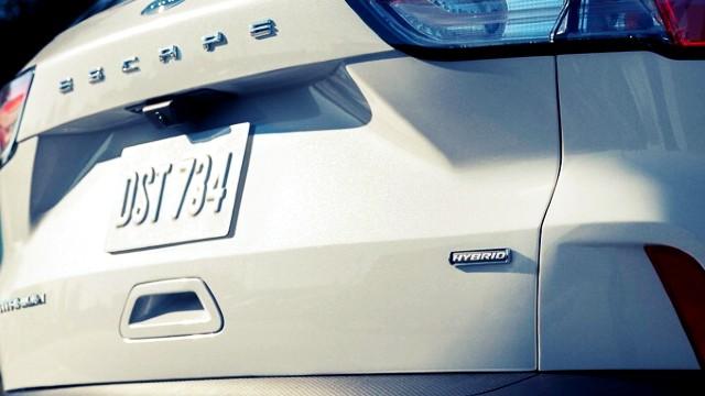 2021 Ford Escape Hybrid specs