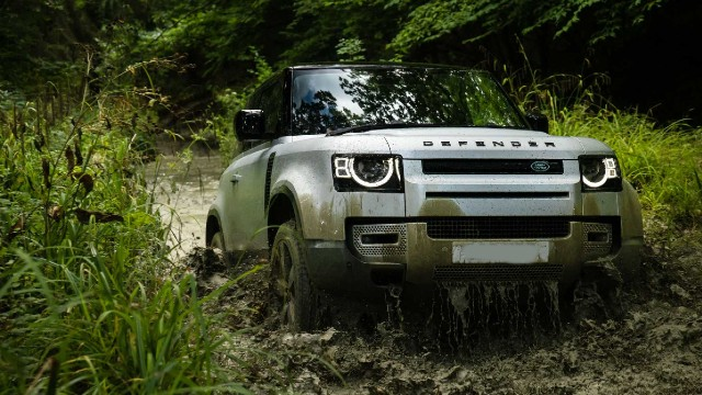 2021 Land Rover Defender 90 specs