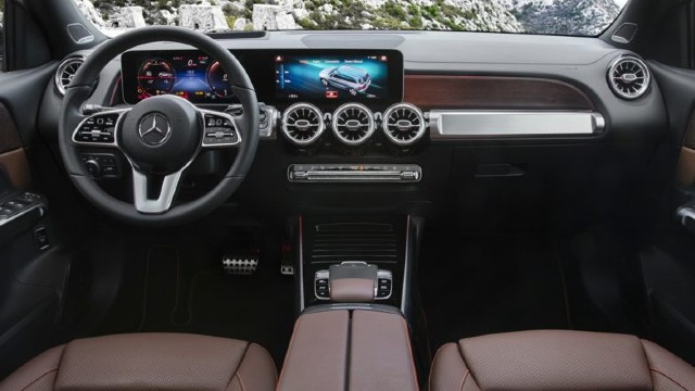 2021 Mercedes-Benz GLB interior