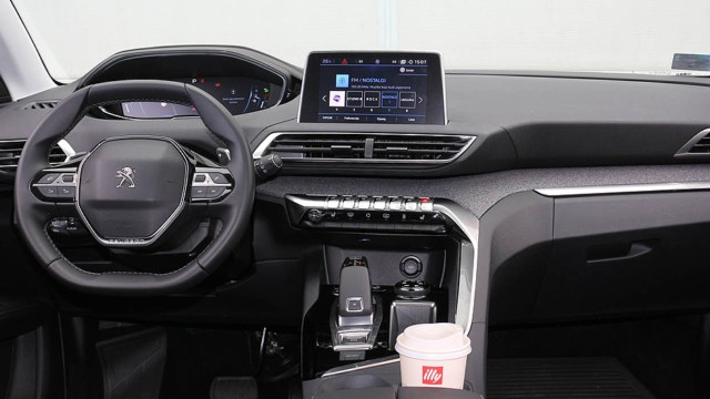 2021 Peugeot 3008 interior