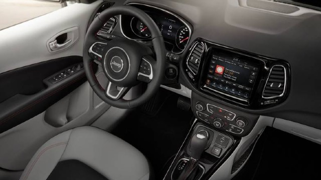 2022 Jeep Compass interior