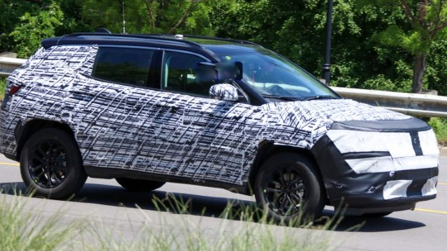 2022 Jeep Compass spied