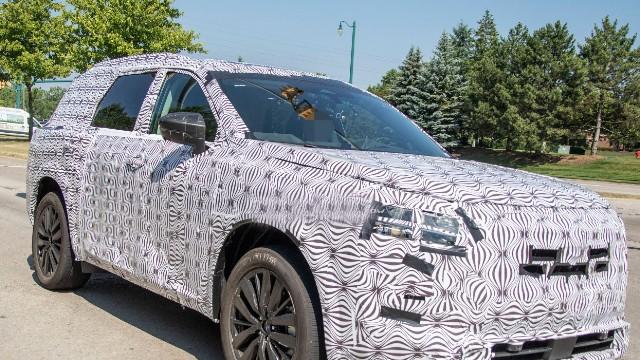 2022 Nissan Pathfinder spy shots