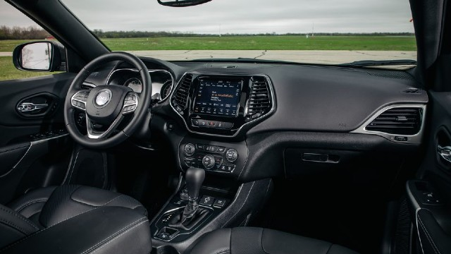 2022 Jeep Cherokee interior