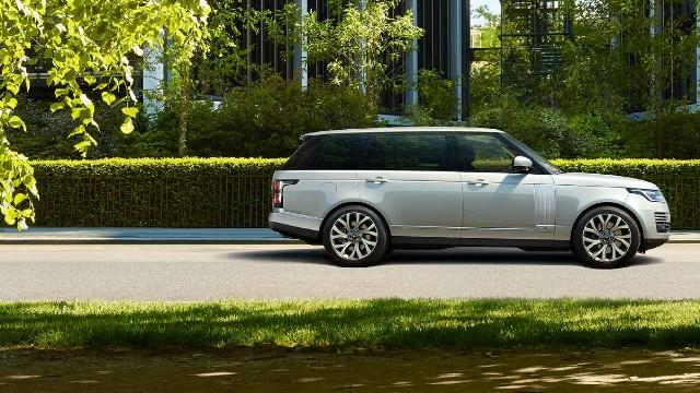 2022 Land Rover Range Rover hybrid