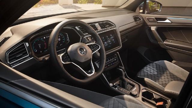 2022 Volkswagen Tiguan interior