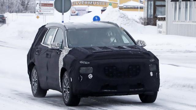 2022 Hyundai Santa Fe spy shots