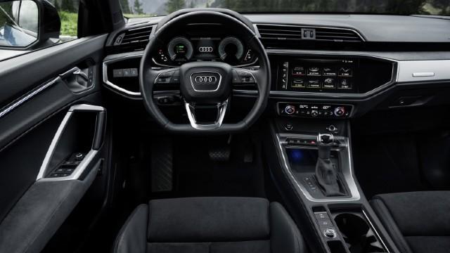2022 Audi Q3 interior
