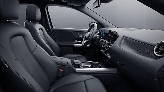 2022 Mercedes-Benz GLA interior