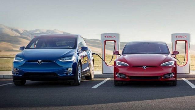 2022 Tesla Model X charging