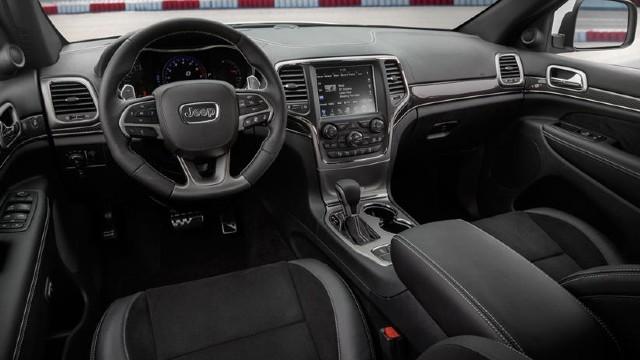 2022 Jeep Grand Cherokee SRT interior