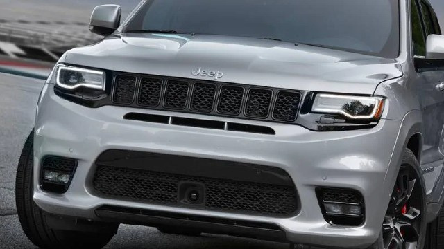 2022 Jeep Grand Cherokee SRT pictures