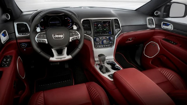2022 Jeep Grand Cherokee Trackhawk interior