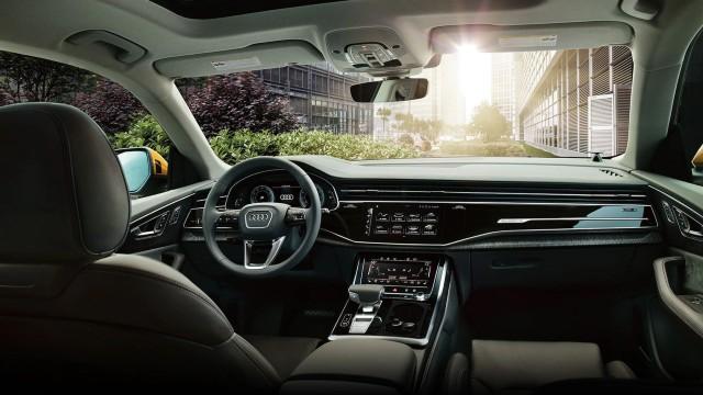 2022 Audi Q8 interior