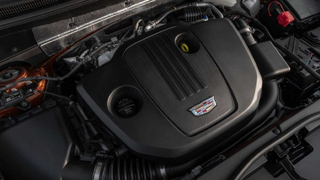 2022 Cadillac XT4 sport