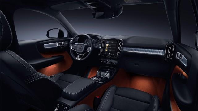 2022 Volvo XC40 Interior