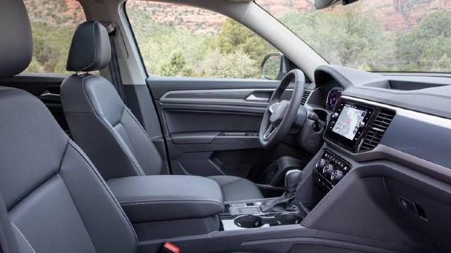 2022 VW Atlas interior